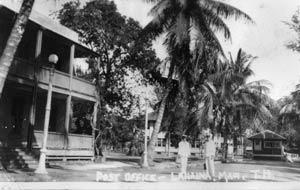 Old Lahaina Courthouse 1918