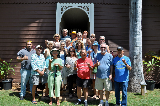Group shot of the Lahaina history tour attendees