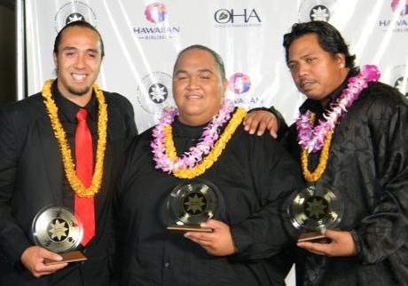Ekolu trio wins Na Hokuhanohano Awards